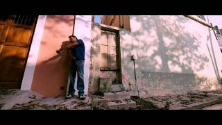 Vizhi Moodi video song in HD Quality