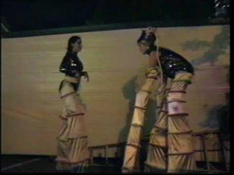 ADELAIDE FESTIVAL FRINGE 2002