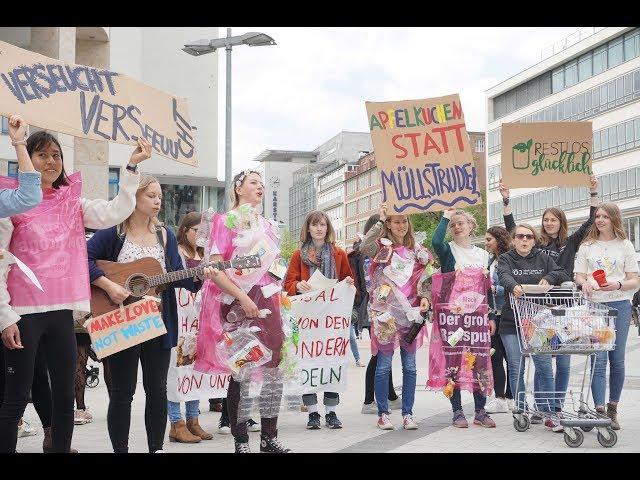 Laut gegen Plastikmüll! - Flashmob in Hannover | Restlos glücklich