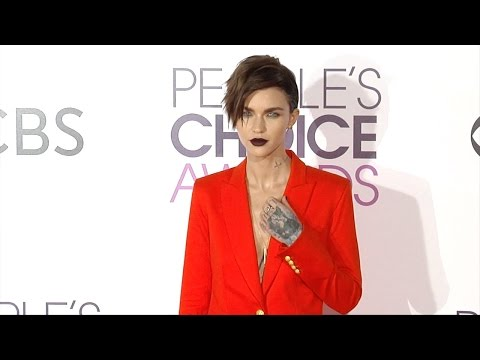 "Ruby Rose ""People's Choice Awards"" 2017 Red Carpet"