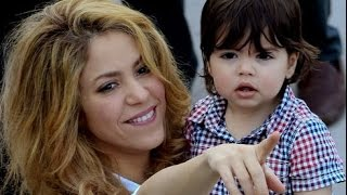 Shakira: Learning to read with mommy / Aprendiendo a leer con mami
