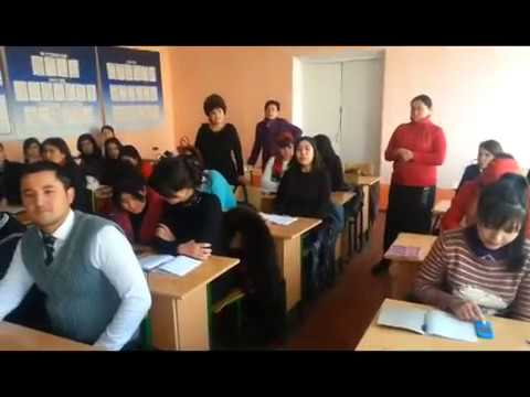 Изображение предпросмотра прочтения – «Студенты Государственного Университета города Намангана» читает произведение «Ворона и Лисица» И.А.Крылова