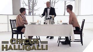Aushalten: Dinner on Ice Teil 1 | Circus HalliGalli thumbnail