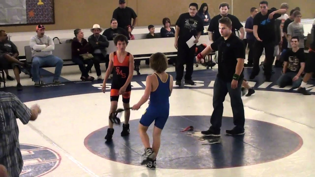 12 yr old wrestling match 1 round 3 - YouTube