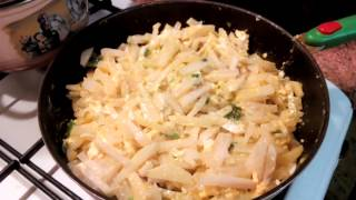 Кольраби, тушёная в сметане, с помидорами - видео рецепт