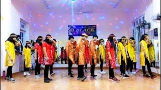 Dance QUẨY (ÁO DÀI) Mic DROP BTS (REMIX) - CLB Bước Nhảy Sinh Viên 01659.049927... D BLACK HUẾ