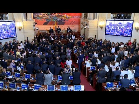 Ex-Colombian rebels take up seats in congress