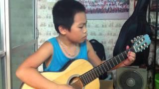 Canon in D ( Kim Chung )- Cháu Lê Ngọc Tuân ( 9 tuổi ) Guitar
