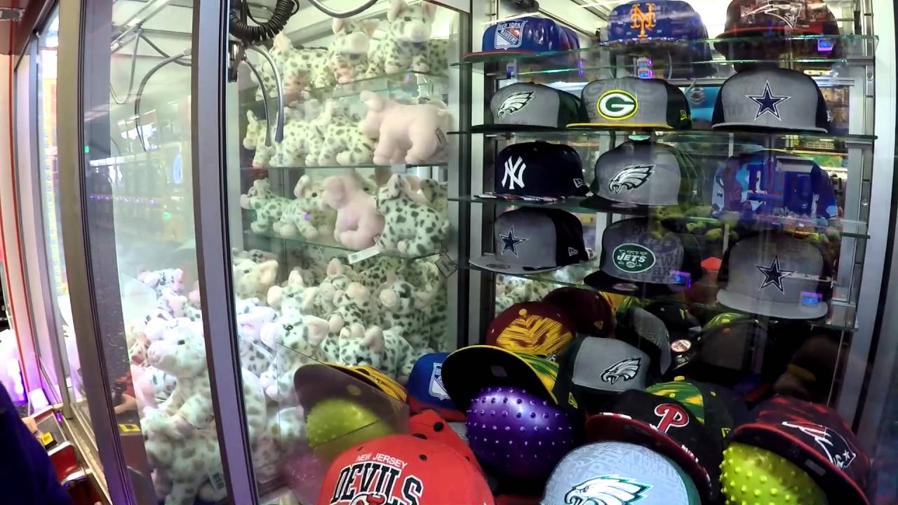 WINNING NFL HATS OUT OF A CLAW MACHINE - YouTube 7b11754008f