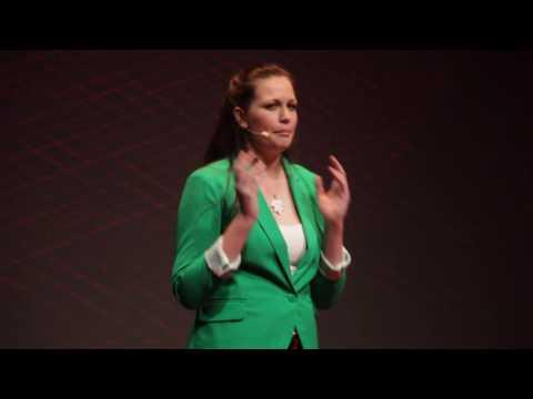 Hulladékmentes életmód | Edina Kump | TEDxYouth@Budapest