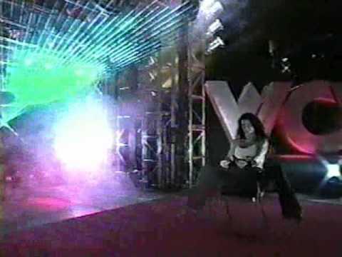 Monday Nitro Girls- Whisper chair dance