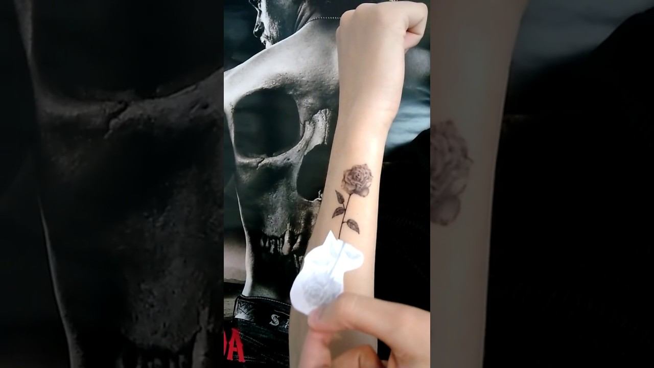 Tattoo Petite Rose Poignet Youtube