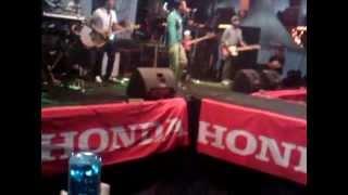 Shaggy Dog - Honey (konser di depan MOG HOCS kota Malang)