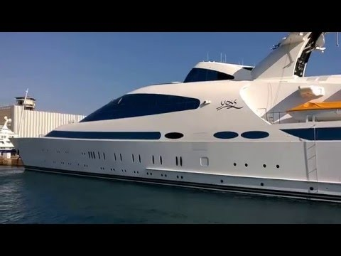 YAS super yacht in Barcelona harbour