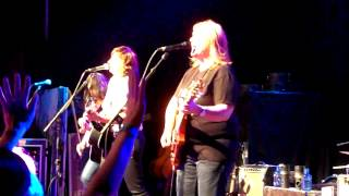 Watch Indigo Girls Problem Child video