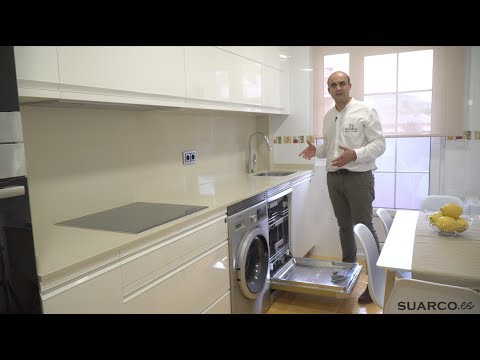 Cocina blanca moderna frente recto sin tiradores y for Muebles de cocina suarco