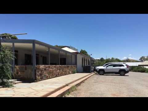 Blinman Hotel, burger for lunch and a look at the Township, South Australia
