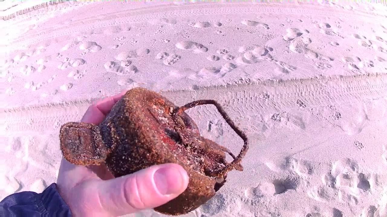 Поиск золота на пляже, первое золото