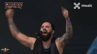 Skillet - Undefeated (Live)