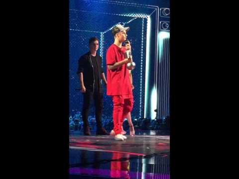 Justin Bieber - Best Collab - MTV EMA Milan 2015 HQ
