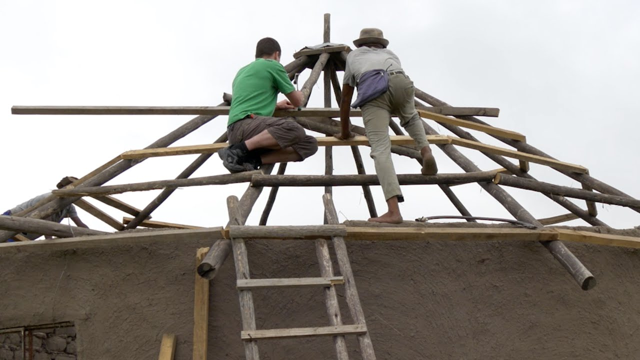 Helping To Build A Roof On A Xhosa House Vlog 7 Youtube