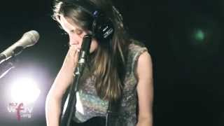"Wolf Alice - ""Giant Peach"" (Live at WFUV)"
