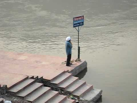 Sardarji complaining to Ganga at Rishikesh! IndiaCallsYou.com