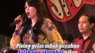 "Titin Jayanti ""Remuk Njero"" [LIVE SHOW]"
