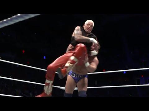 Dustin Rhodes pays tribute to Dusty Rhodes against Dash Wilder at Starrcade: Nov. 25, 2017