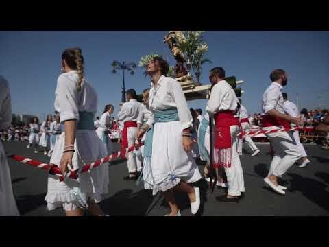 La Danza de Espadas sale a las calles de Marín