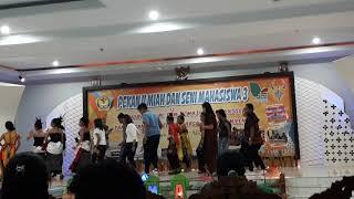 Download Mace suku goyang-jang kaku Mp3