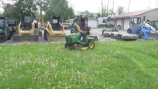 John Deere 322 Riding Lawn Mower