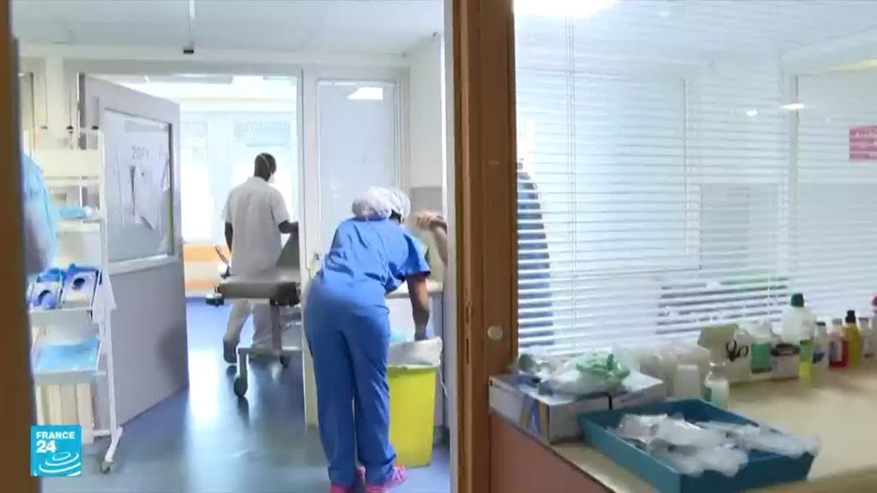 فرنسا توقف 3000 موظف صحي عن العمل وأوروبا تستهدف الرافضين للقاحات  ضد فيروس كورونا  - نشر قبل 4 ساعة