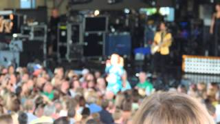 Kelly Clarkson - Breakaway/Because of You - Live - 2013 Honda Civic Tour - Cincinnati, OH