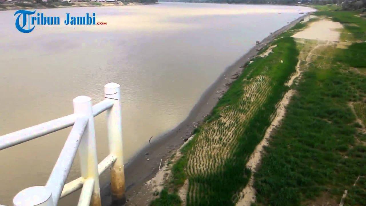 sungai terpanjang di pulau sumatera alami kekeringan ekstrim youtube rh youtube com