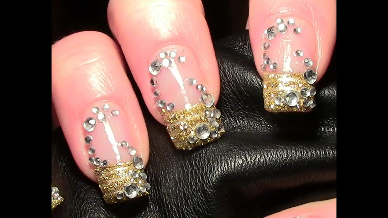 Nageldesign Strasssteine Goldiges Strass Nageldesign Zum Selber Machen Gold Glitter Nail Art Design Tutorial