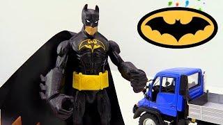 Видео про супергероев - Бронежилет для Бэтмена из лизуна! - Игрушки для мальчиков.