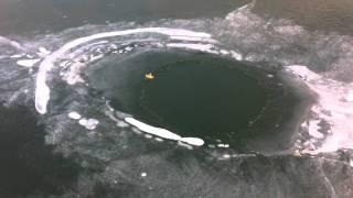Trou dans la glace à 150m de la rive lac du lit du roi 11-2