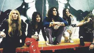 Watch Alice Cooper Hard Hearted Alice video