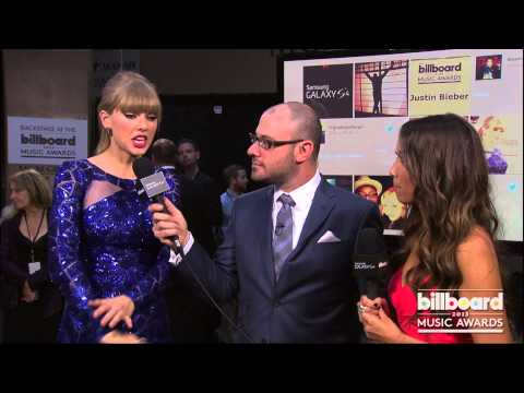 Taylor Swift Backstage at the Billboard Music Awards 2013