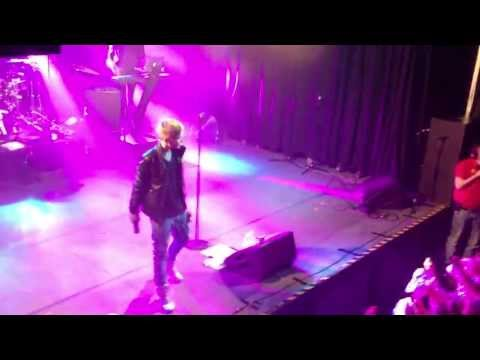 Isac Elliot - Are You Gonna Be My Girl LIVE Helsinki 23.5.13
