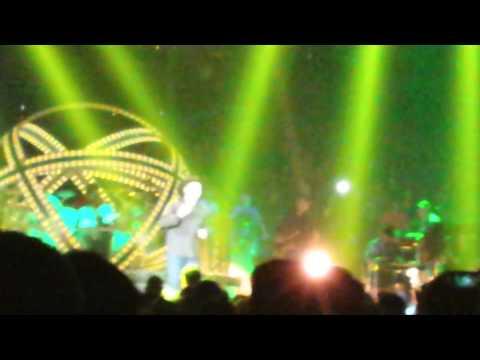 Garth Brooks with Trisha Yearwood World Tour Chicago 18 Shameless