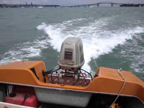 Suzuki outboard 55hp running - YouTube