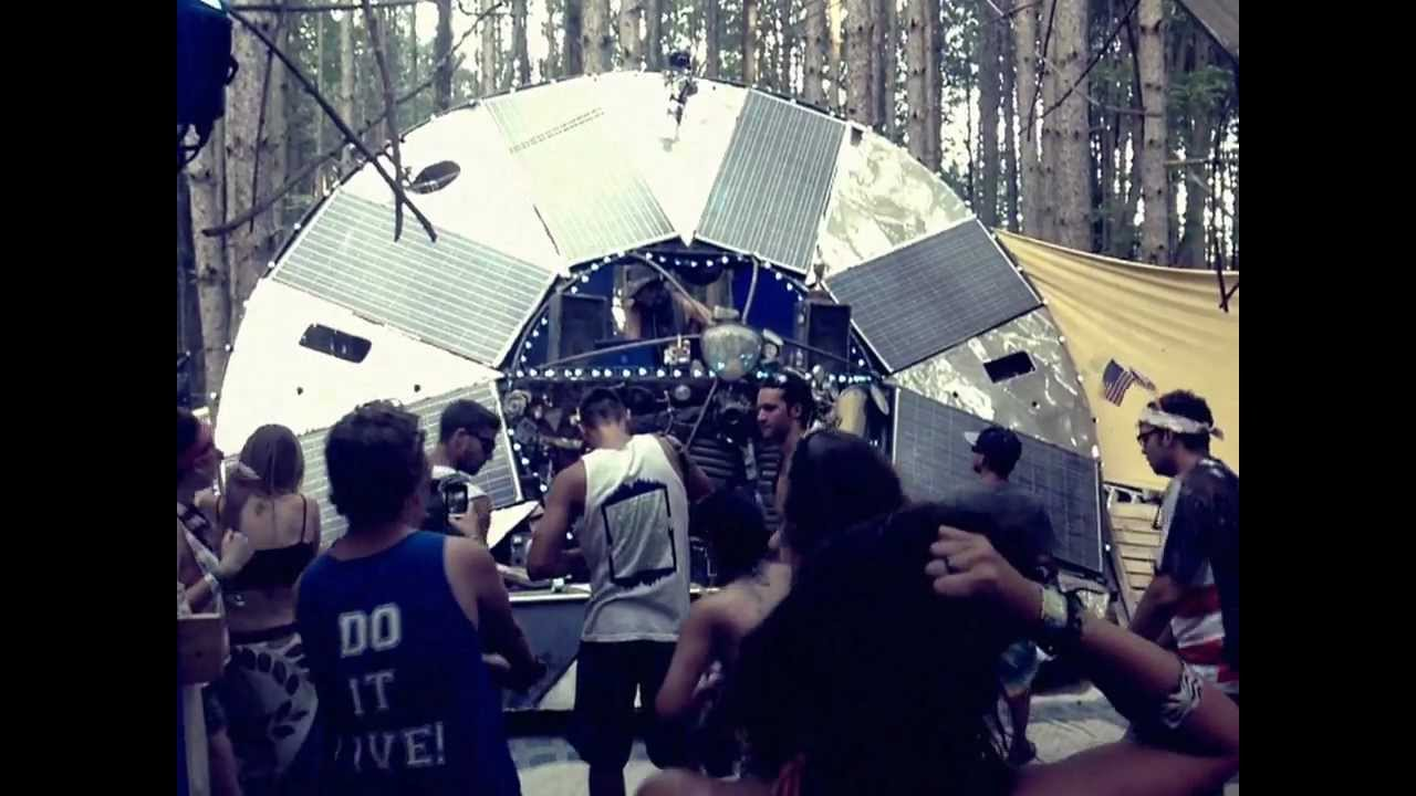 friday afternoon in the SolLun electric forest 2012