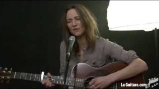 Ael Interview Skye -Skye chante overseas telegram - gainsbourg - Part 05  (laguitare.com)