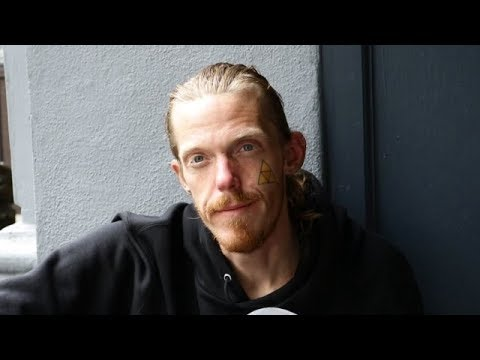 Troy, 30 Year Old Homeless Man Talks Drugs, Gang Stalking, And Living On The Street For 8 Years.