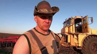 Трактор Кировец. Заканчиваю дискование и перегоняю трактор на базу.