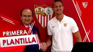 Primer día de Luuk de Jong en Sevilla