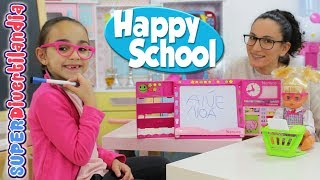 Profesora Andrea con Nenuco Happy School y las alumnas Raquel e Irene. thumbnail