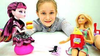Барби открывает кафе с едой из мармелада. Мультик с куклами